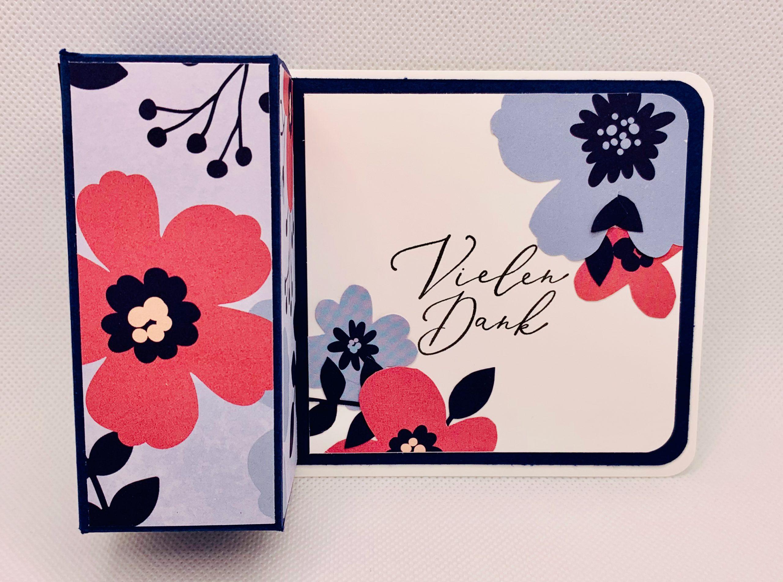 Sale-A-Bration-Woche:                      Eine Verpackung mit dem Designerpapier Papierblüten